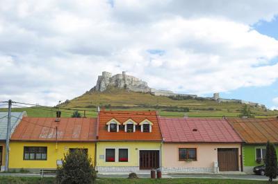 東欧路面電車の旅3(スロバキア スピシュ城)