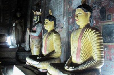 2011夏、スリランカ旅行記(26)ダンブッラ・黄金寺院(第2窟~第5窟)、涅槃像ほか