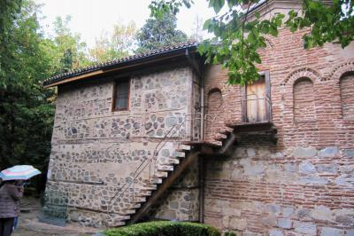 2011秋、ブルガリア等・東欧旅行記(12)ソフィア、ソフィア・ホテルとその界隈の散策、ボヤナ教会