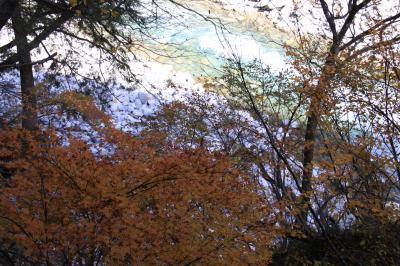 晩秋の黒部峡谷