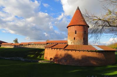 2012秋、バルト三国・東欧旅行記(34)カナウス、カナウス城、旧市庁舎、旧市庁舎広場