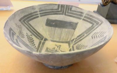 2012秋、イラン旅行記(47:補遺1):11月17日:イラン考古学博物館(1/4):焼物、碗、瓶、高杯、家模型