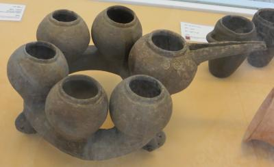 2012秋、イラン旅行記(49:補遺1):11月17日:イラン考古学博物館(3/4):焼物、瓶、碗、容器、石器、動物像