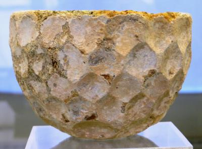 2012秋、イラン旅行記(50:補遺1):11月17日:イラン考古学博物館(4/4):陶器、動物像、白瑠璃碗、石器