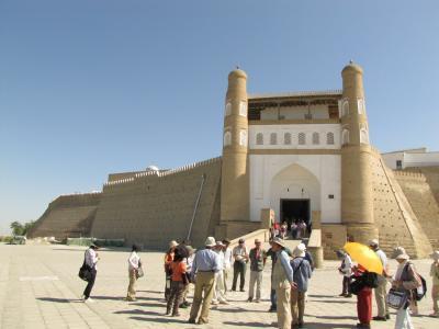 ウズベキスタンの旅(2)・・イスラム王朝の都ブハラを訪ねて