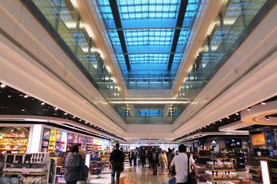 2013秋、イタリア旅行記2(2):9月25日(1):関西国際空港から深夜便でドバイへ、ドバイ国際空港