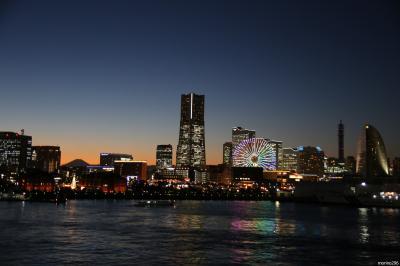 クリスマスを待つ横浜MM21
