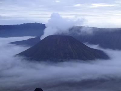 有休要らず!ぼったくられ落とし穴に嵌るもなんとかジャワ島のブロモ山に辿りつけた旅(Mt. Bromo in Java Island of Indonesia)