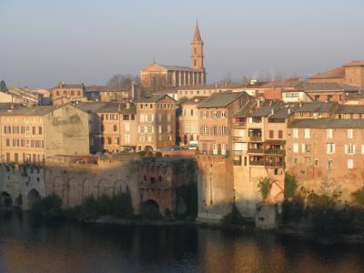 南西フランス3週間の旅 【9】アルビ、朝の散策は川を渡って