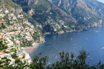 2013秋、イタリア旅行記2(12):9月26日(8):アマルフィ(1):アマルフィ海岸、峠の茶屋、マリア像