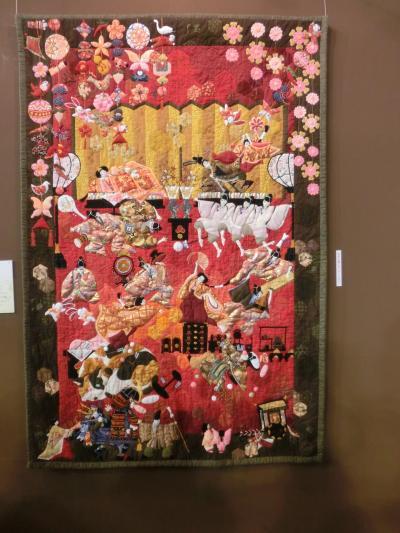 【国際キルトフェスティバル2014】  「関田陽子さんの春は真夜中」 抱腹絶倒する最高な作品です。