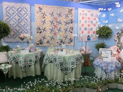 【東京国際キルトフェスティバル2014】  三浦百恵さんの作品「天使たちの青い園」