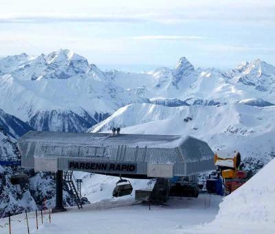 団塊夫婦のスキー&絶景の旅・ダヴォス&リビーニョ&サンモリッツを滑る−(1)ダヴォス
