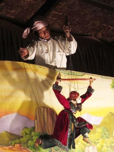 ヤンゴンからバガンへ  人形劇を楽しむ夕食 ★ミャンマー旅行記(3)★