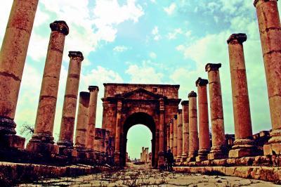 Jordan【7】2000年の時の彼方に - 形あるものは滅びゆくのが命運か/永き眠りから目覚めたジェラシュ遺跡
