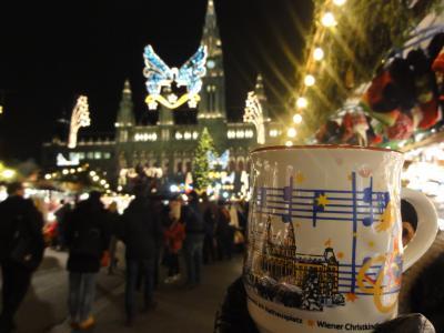 ⑦ ANA B787型機で、ミュンヘン(ドイツ)、ザルツブルグ、ウイーン(オーストリア)のクリスマス市に行くー クリスマスの4週間前から華やかな雰囲気に一変します、ウイーンクリスマス市 -12月 2013年