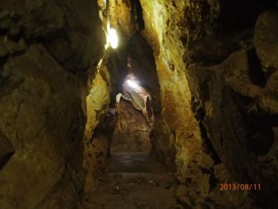 北九州駆け足訪問記(7)平尾台鍾乳洞へ入る。