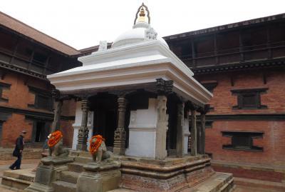 2014新春、ネパール旅行記(14)1月23日(5):パタン、ダルバール広場、旧王宮、旧王宮の中の彫像