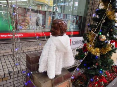 日本の旅 関西を歩く 大阪市淀川区の十三駅(じゅうそうえき)、見返りトミー君像周辺