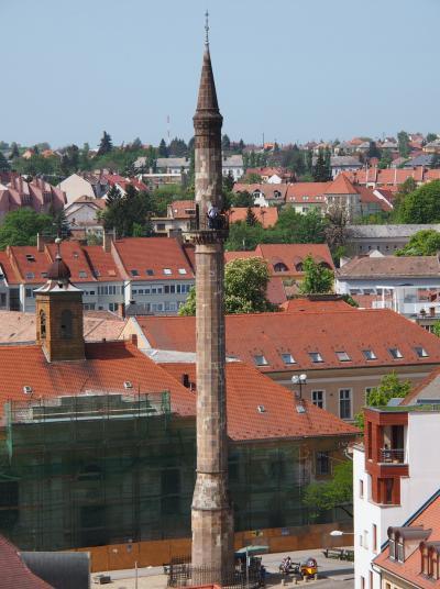 新緑あふるるブダペストをぶらぶら・・ふらふら・・・ ☆その15☆のんびりと・・・エゲル城を散策☆