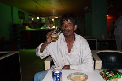 『上流階級から 闇の地下Barへ』 ~バングラ03 (首都ダッカ)