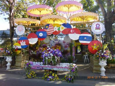 花祭り・スコータイ遺跡を見たい。(5)