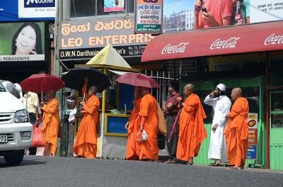 ★スリランカ車旅(13)ヌワラエリヤからコロンボへ