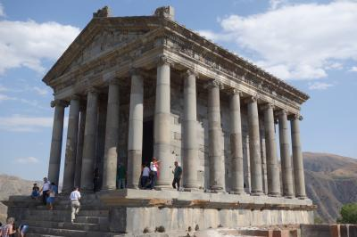 アルメニア旅行③(ガルニ神殿・ゲハルト洞窟修道院)