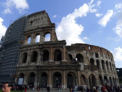【イタリア2日目ローマ】③修復中のコロッセオ、トレビの泉、スペイン広場