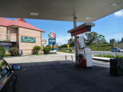 シドニー オーストラリアでガソリン給油