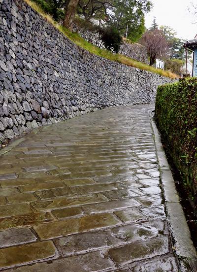 長崎‐1 オランダ坂 洋館めぐりは雨傘さして ☆東山手十二番館を見学