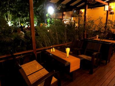 ミャンマー麺を極める。しかも素敵な一軒家カフェでリーズナブルに!