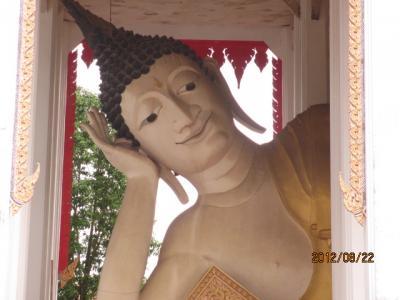 上海ー新加坡ー吉隆坡ー曼谷4都旅行記(76)ハジャイ市内のお寺。