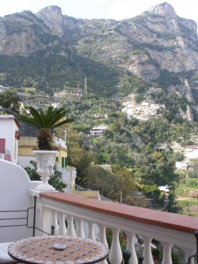 アマルフィ海岸、シチリア島、イスキア島、アッシジの春をめぐる旅 【2】 ポジターノへ