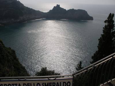 アマルフィ海岸、シチリア島、イスキア島、アッシジの春をめぐる旅 【5】 エメラルドの洞窟