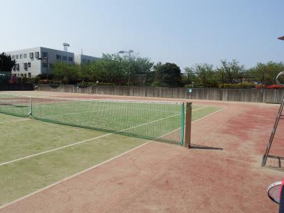 早速テニスで遊びました