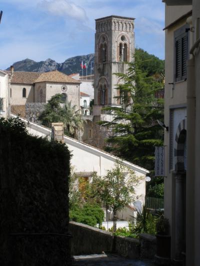 アマルフィ海岸、シチリア島、イスキア島、アッシジの春をめぐる旅 【13】 ラヴェッロの町並み♪