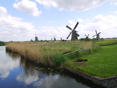 風車を見ながらのんびりお散歩♪世界遺産のキンデルダイクへ