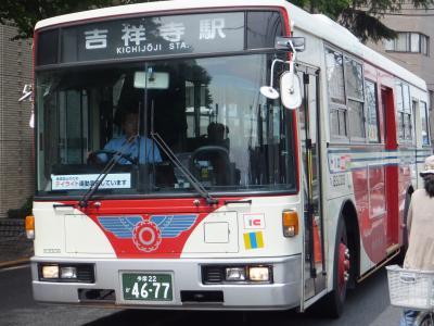 最期の1台となった3ドアのバス