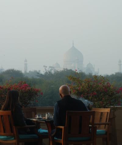 2013 インドへ Shanghai・Delhi・Varanasi・Agra この世の楽園としか思えないジ・オベロイとやっぱり遅れるデリーへの列車と The Royal Plaza の朝食 編