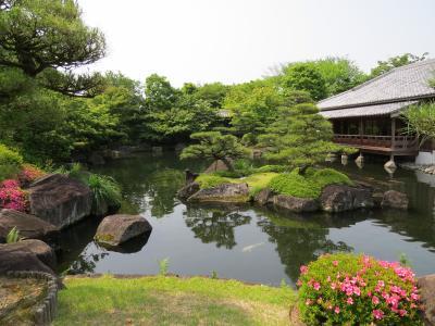 姫路・好古園から白鷺城を眺める