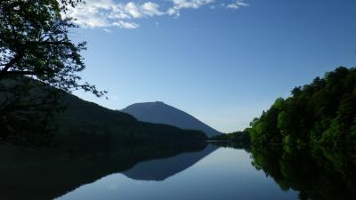 ふだん着の休日 早朝の湯の湖畔を歩く -2