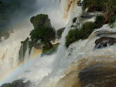 ★南米、時には徒歩で(11)滝の上遊歩道と滝の下遊歩道へ