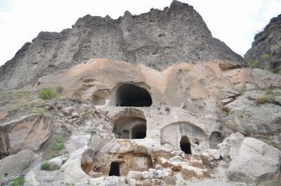 GWで行く世界一周旅行 洞窟都市の遺跡で探検気分(コーカサス編)