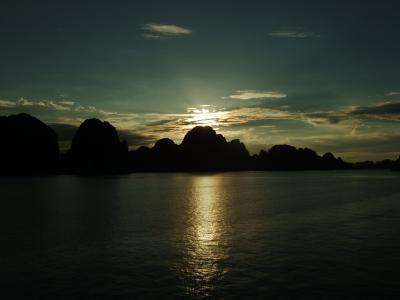 ベトナム人によるハロン湾ツアー