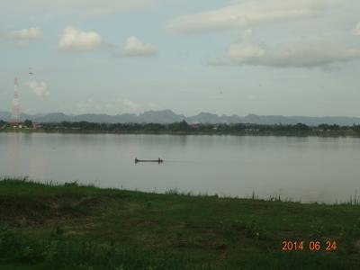 タイ・ナコンパノム & ラオス・ターケークの旅