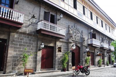 女ひとりでフィリピン16★マニラ★川の向こうは別世界!スペイン風町並み残るイントラムロスへ