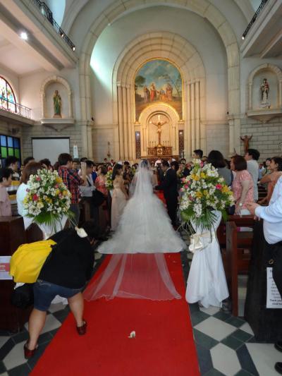 ☆結婚式に招待されて☆ in マニラ   −  厳かな教会での結婚式 及び 明るい披露宴  7月 2014年