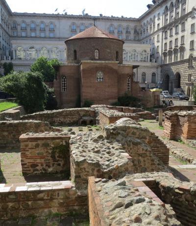 ブルガリアの旅(4)・・ローマ帝国やビザンツ、オスマン朝、共産主義時代と様々な時代の建物が残る、首都ソフィアを訪ねて