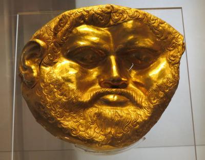 ブルガリアの旅(6)・・ローマ時代の発掘品、中世のイコン、トラキア人の黄金製の品々を展示、ソフィア国立考古学博物館を訪ねて